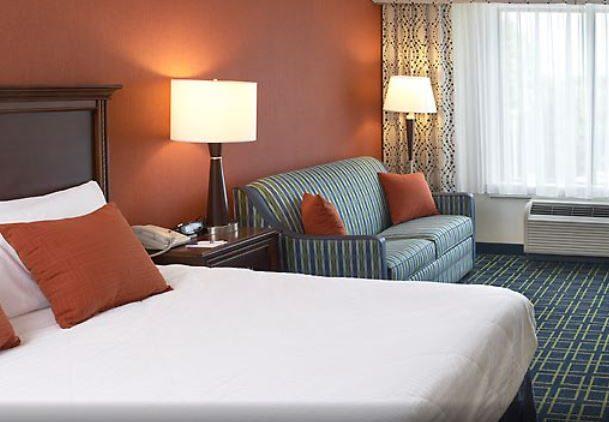 Fairfield Inn - King Bedroom
